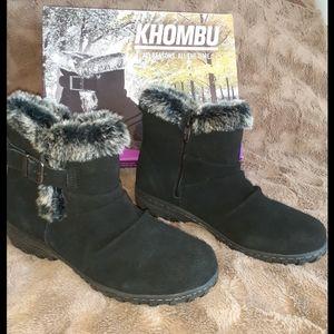 Khombu Women's Suede Black Ankle Boots